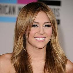 Miley Cirus la reina Teen